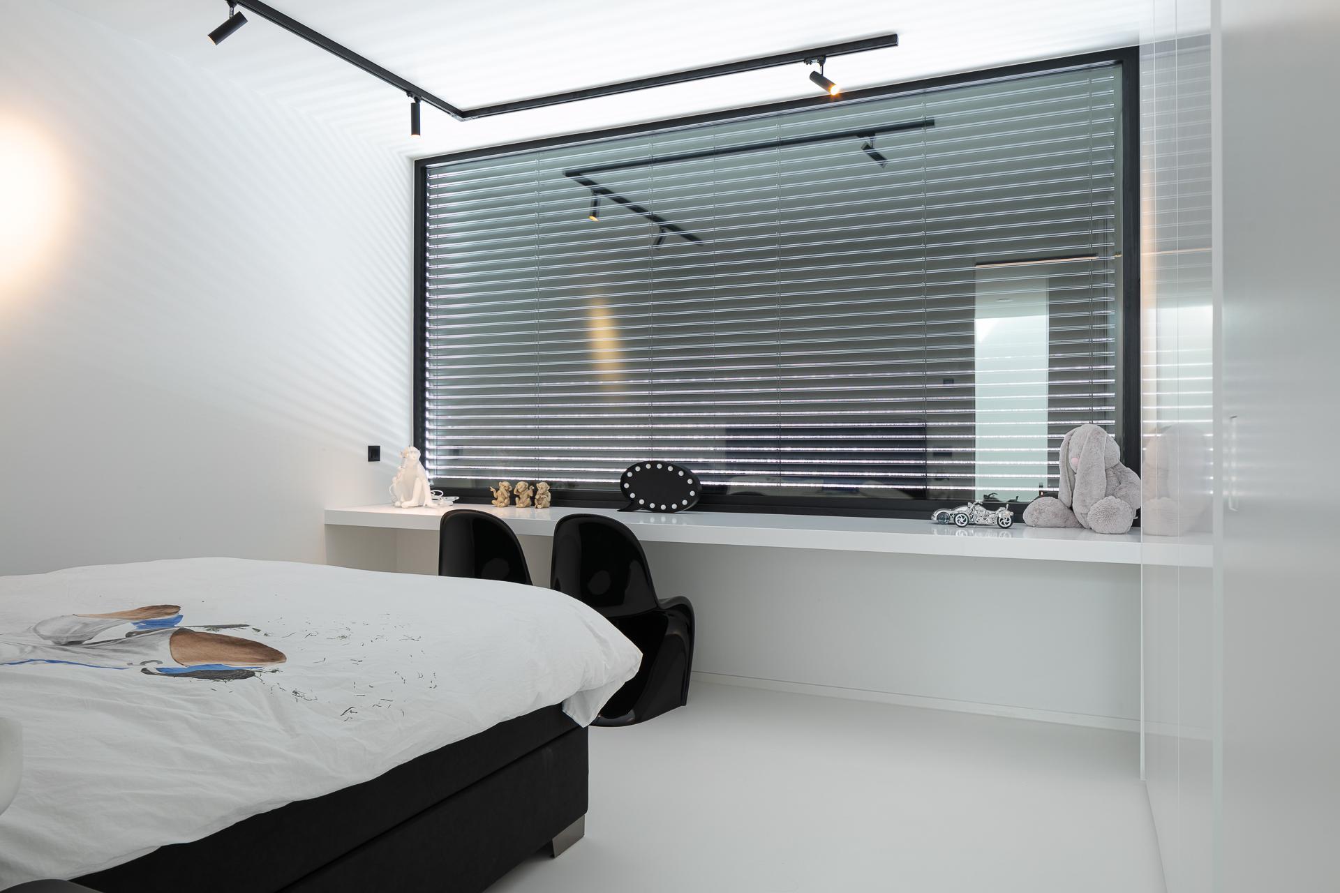 EPI Superbase Wit Bedroom